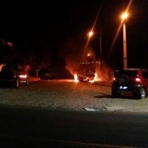 Ônibus incendiado na região metropolitana de Natal