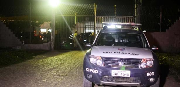 3.ago.2016 - Detentos da Penitenciária Estadual de Parnamirim fazem motim na noite de quarta-feira