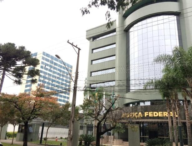 O prédio da Justiça Federal do Paraná, no bairro do Ahú, em Curitiba, onde lula vai depor a Moro no próximo dia 10
