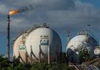 Interferência do governo no preço dos combustíveis atrapalha venda de refinarias - Yasuyoshi Chiba/AFP