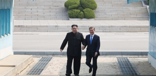 Kim Jong-Un se encontra com Moon Jae-in na fronteira entre as Coreias