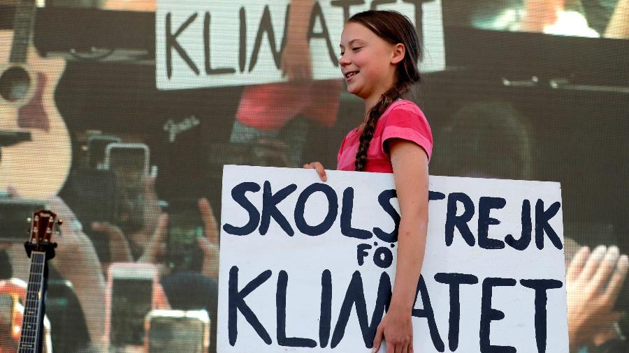 20.set.2019 - A ativista Greta Thunberg carrega placa durante a Greve Geral pelo Clima, em Nova York - Lucas Jackson/Reuters