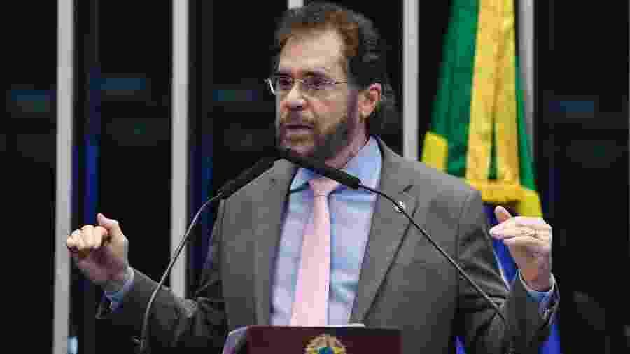 9.mar.2020 - Senador Plínio Valério (PSDB-AM) discursa na tribuna do plenário do Senado durante sessão não deliberativa - Roque de Sá/Agência Senado