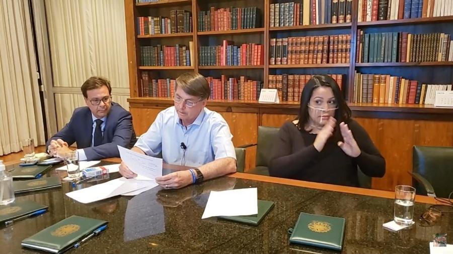 O presidente Jair Bolsonaro (sem partido) durante live semanal de hoje - Reprodução/Youtube