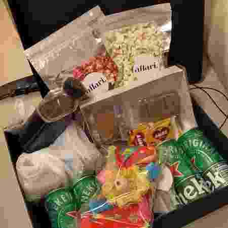 Em junho, a equipe de marketing da XP Investimentos recebeu em casa um kit junino para um happy hour temático - Divulgação - Divulgação
