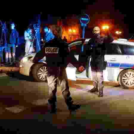 Desde o assassinato na sexta-feira do professor Samuel Paty, várias pessoas foram detidas  - Reuters