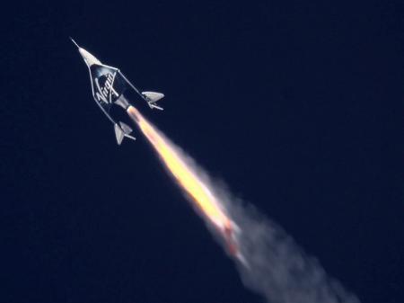 Voo de Richard Branson ao espaço atrasa em 1h30