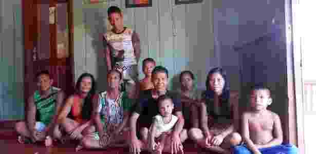 Família de Edilson Paumari, Lábrea, Amazonas - Bruna Souza Cruz/UOL - Bruna Souza Cruz/UOL