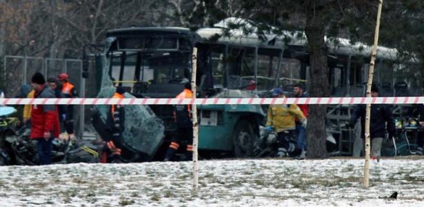 Atentado suicida com carro-bomba matou ao menos 13 militares na cidade de Kayseri