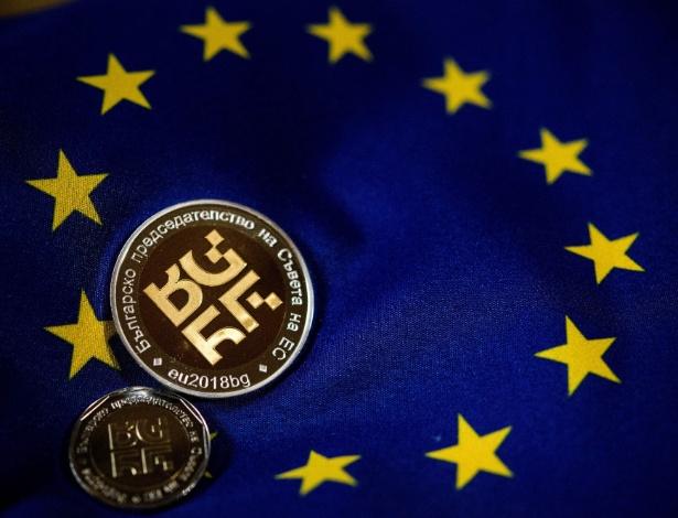 Moeda de ouro feita para comemorar a presidência búlgara do Conselho da União Européia, em Sófia. O posto, de caráter rotativo, por seis meses, tem pela frente a difícil tarefa de lidar com temas como migração e Brexit