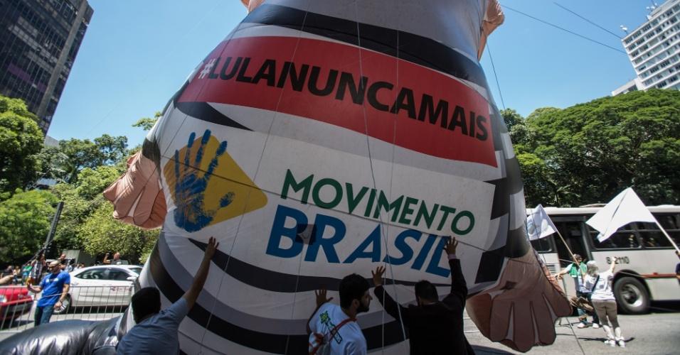 Grupos contrários ao ex-presidente Lula se reúne na Avenida Paulista para acompanhar o julgamento no TRF-4, em Porto Alegre