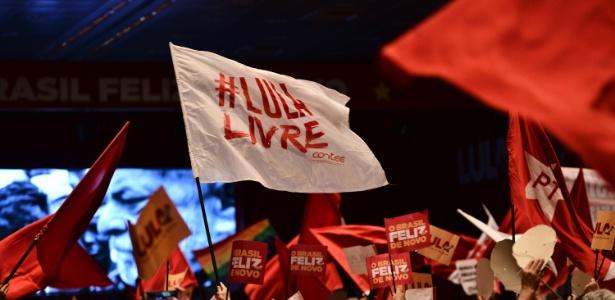 8.jun.2018 - Partidários do ex-presidente Luiz Inácio Lula da Silva em lançamento de sua pré-campanha - Paulo Ti/Agência F8/Estadão Conteúdo