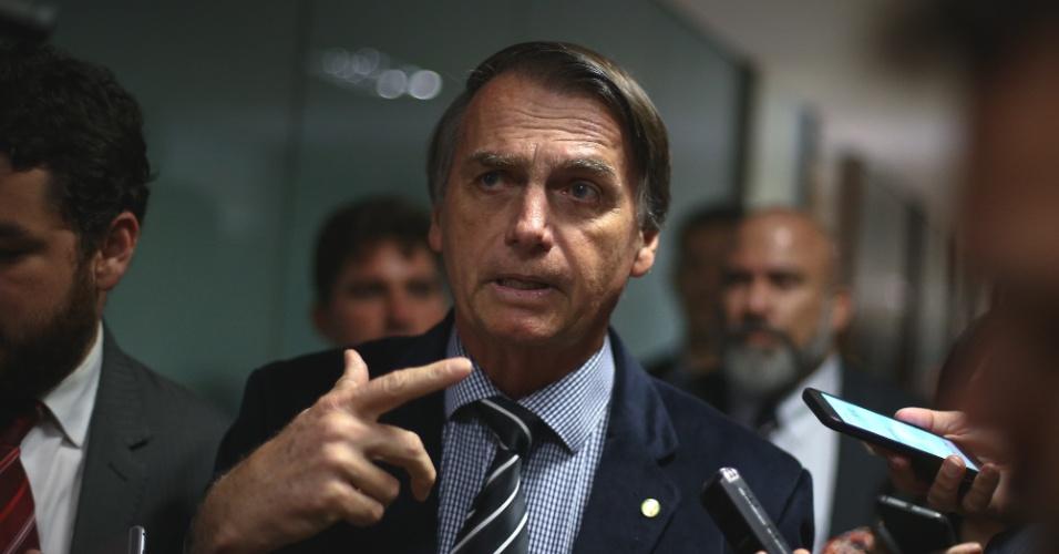 Eleições nas redes sociais | Não tenho controle sobre empresário, diz Bolsonaro sobre WhatsApp