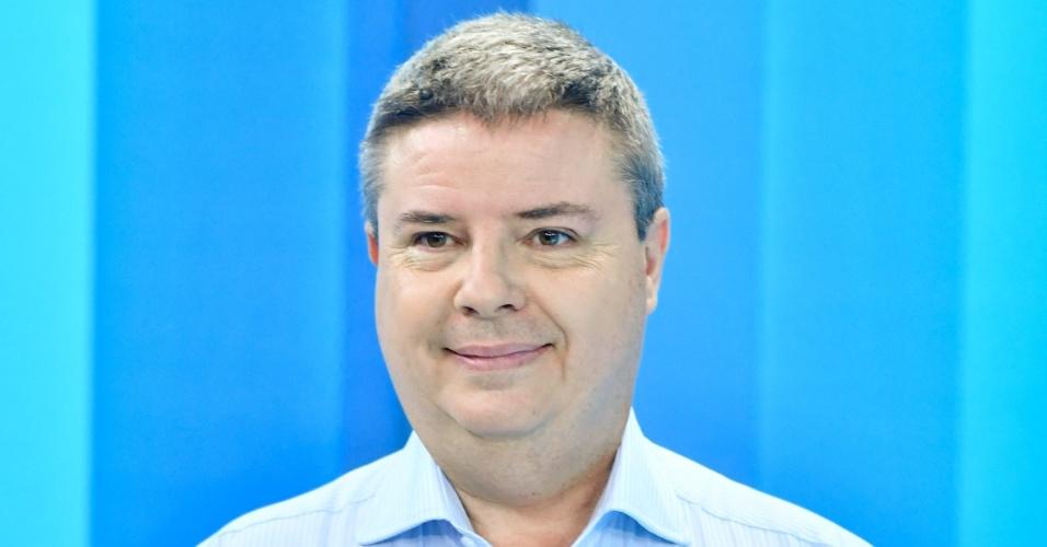 25.out.2018 - O candidato do PSDB ao governo de Minas Gerais, Antonio Anastasia, momentos antes do debate do segundo turno das eleições 2018 promovido pela Globo Minas, em Belo Horizonte, nesta quinta-feira