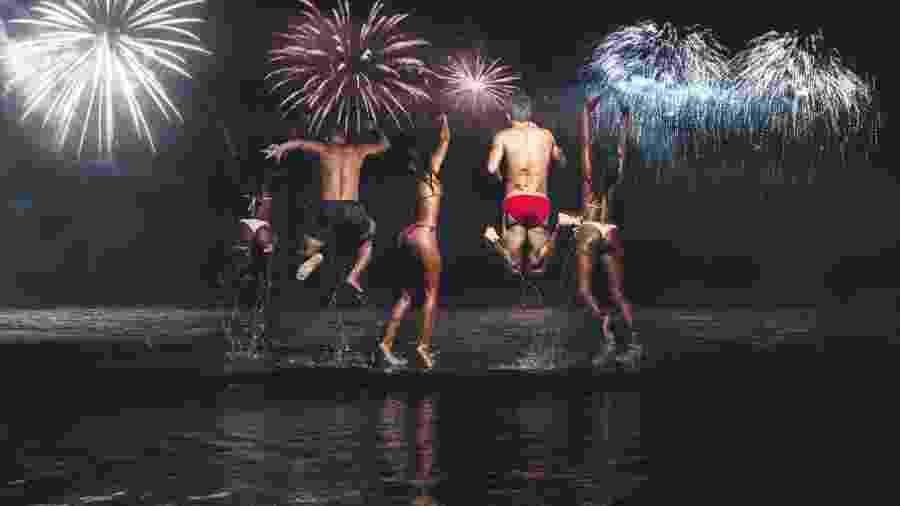Pular onda é tradição do Ano Novo, mas de onde vem esse costume? - Getty Images/iStockphoto