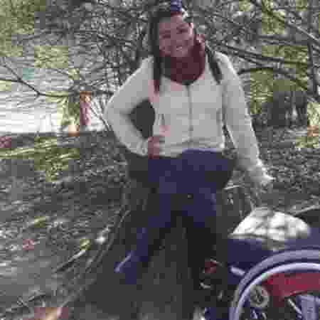 """Thayane Tavares Monteiro, que ficou paraplégica depois de levar quatro tiros, conhece o desespero vivido pelas crianças. """"Eu me senti ali. Era como se fosse eu"""" - Arquivo pessoal"""