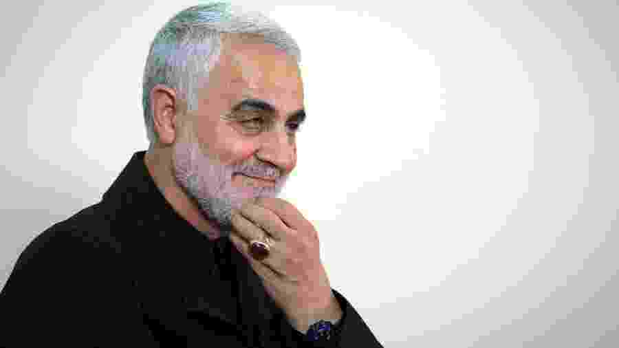 O chefe militar iraniano Qasem Soleimani, morto em um atentado dos EUA no aeroporto de Bagdá, no Iraque, em foto de outubro de 2019 - KHAMENEI.IR / AFP