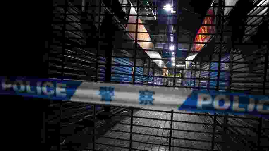 11.jan.2020 - Mercado de frutos do mar em Wuhan, na China, é fechado após a morte de um frequentador do local em decorrência de uma doença respiratória causada por um vírus desconhecido e que já atingiu dezenas de pessoas na região - Noel Celis/AFP