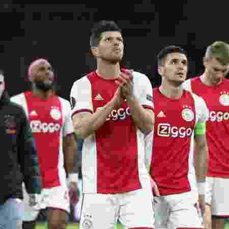 Jogadores do Ajax durante partida da Liga dos Campeões -