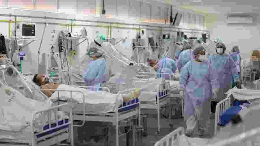 Ala de UTI para pacientes internados com coronavírus no hospital Gilberto Novaes, em Manaus (AM) - Michael Dantas/AFP