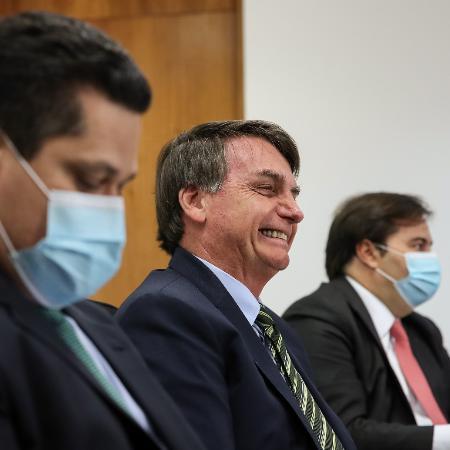 21/5/2020 - Jair Bolsonaro com os presidentes do Senado Davi Alcolumbre, e da Câmara Rodrigo Maia -  Marcos Corrêa/PR