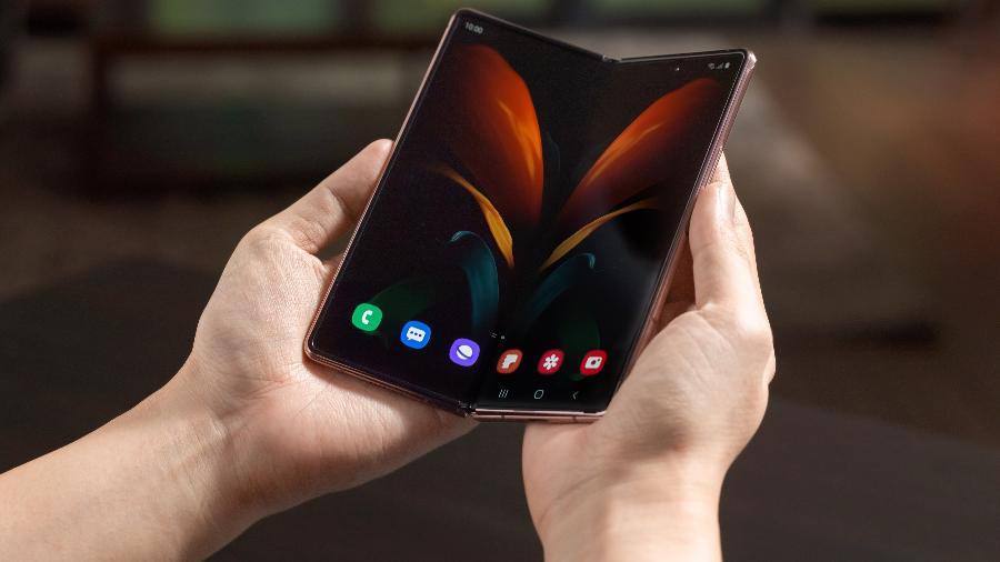 Galaxy Z Fold 2, celular dobrável da Samsung, pode ganhar câmera giratória em breve - Divulgação