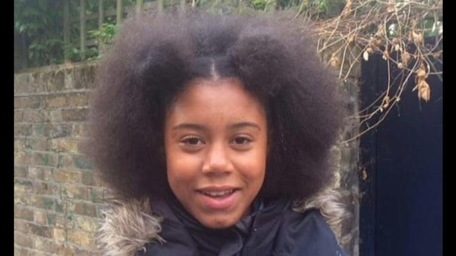 A adolescente Ruby Williams, que processou sua escola por racismo - Kate Williams
