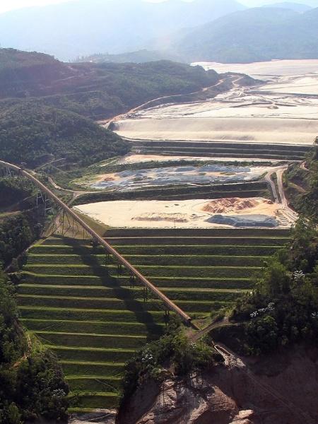 Segundo relatório, são 42 projetos para reparação dos danos causados pelo rompimento de barragem de rejeitos em 2015, nenhum deles no cronograma - Por Kirstin Ridley
