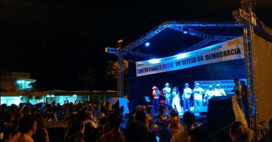 30.mar.2016 - Grupos musicais e ativistas da cultura fazem ato