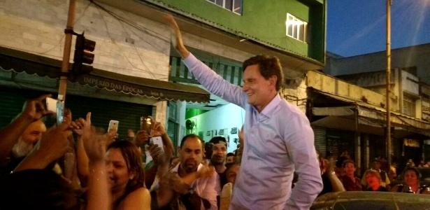 Marcelo Crivella comemora vitória em Madureira, zona norte da cidade