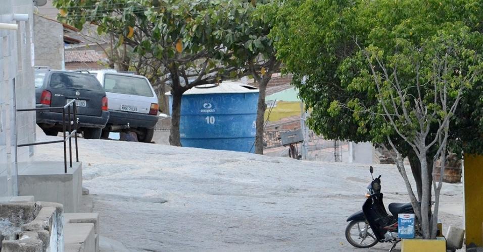 19.dez.2016 - Venturosa (PE) será uma das beneficiadas em Pernambuco com a transposição do rio São Francisco, inicialmente prevista para ser concluída em 2010. A cidade sofre sem água nas torneiras desde fevereiro de 2013 e tem ao menos dez caixas de água públicas