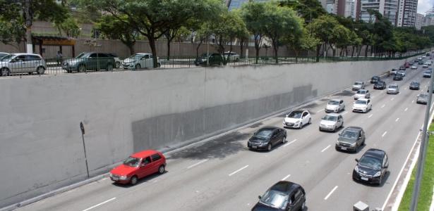 Muro onde ficava o mural do artista Eduardo Kobra, em imagem deste sábado (28)