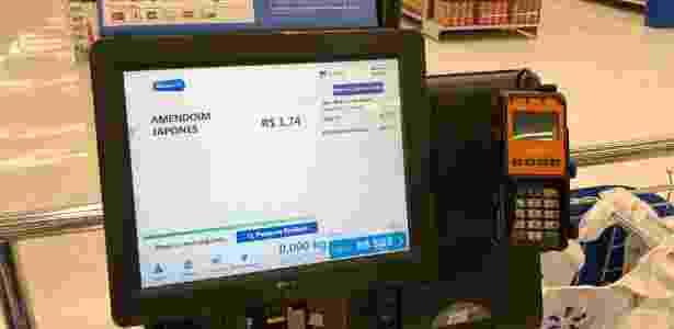 Self Checkout em caixa do supermercado do Walmart - Gabriel Francisco Ribeiro/UOL - Gabriel Francisco Ribeiro/UOL