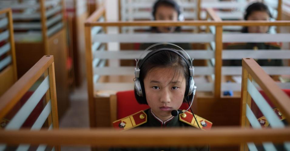 15.jun.2018 - A escola Kang Pan Sok, para meninas, na periferia de Pyongyang, é a instituição de referência no sistema educativo norte-coreano