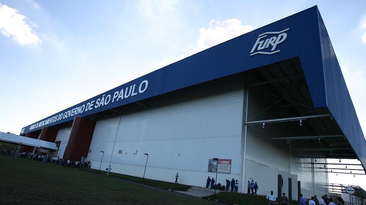 Fachada da fábrica de medicamentos Furp em Americo Brasiliense (SP) - Silva Junior/ Folha Imagem Folha Ribeirão