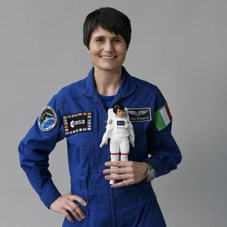 """A astronauta Samantha Cristoforetti """"virou"""" boneca da Barbie - Reprodução"""