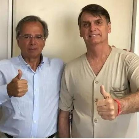 Jair Bolsonaro faz declaração ao ministro Paulo Guedes - Reprodução/Facebook
