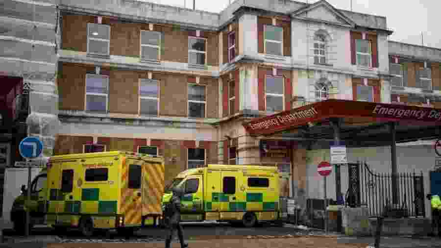 """Ismail Mohamed Abdulwahab teria sido a pessoa mais jovem a morrer de covid-19 no Reino Unido; imagem mostra o King""""s College Hospital, onde ele morreu - Getty Images"""