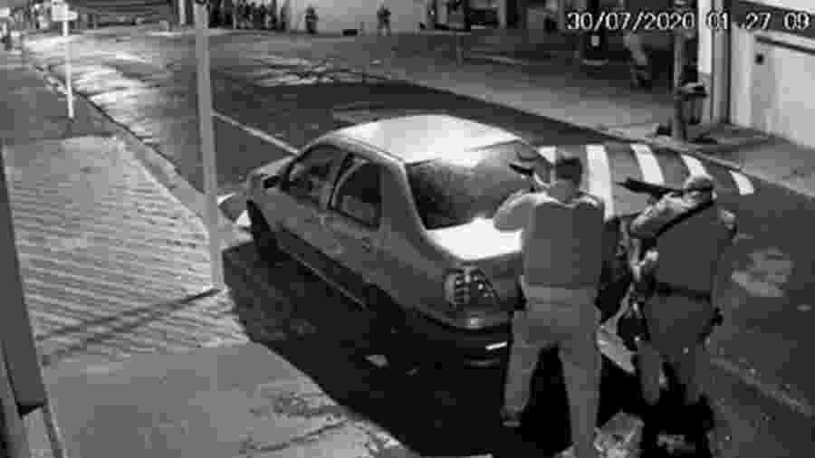Durante assalto em Botucatu, bandidos trocaram tiros com a polícia durante cerca de três horas - Reprodução