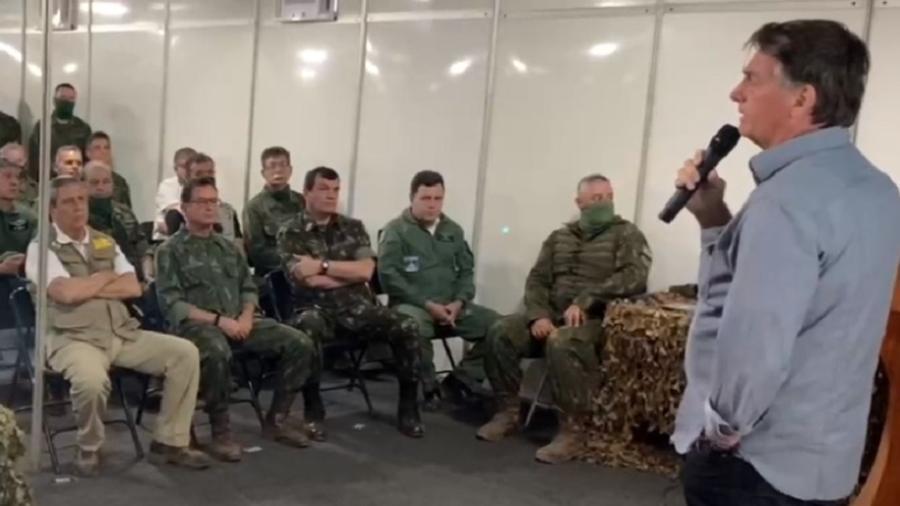 Bolsonaro faz discurso para militares durante Operação Formosa - Reprodução/Facebok