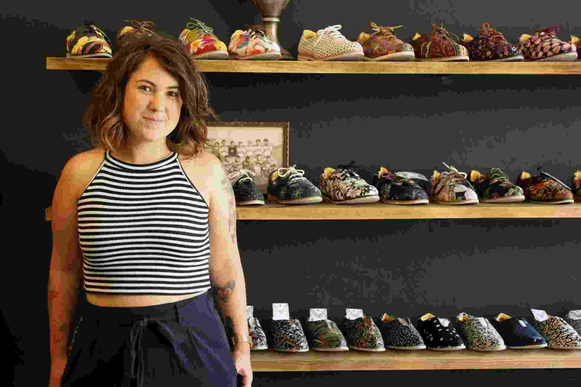 Babi Mattivy é sócia da Insecta Shoes, que produz sapatos veganos com tecidos de roupas de brechó - Divulgação