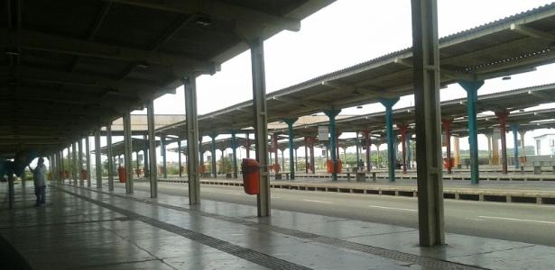 Terminal de passageiros de Praia Grande, um dos principais de São Luís, ficou vazio nesta manhã devido à greve dos rodoviários