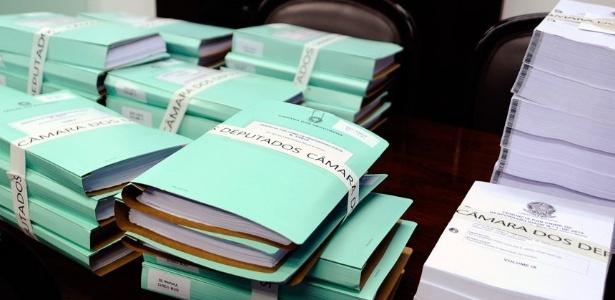 Volumes com 12.044 páginas foram protocolados na Secretaria-Geral da Mesa do Senado