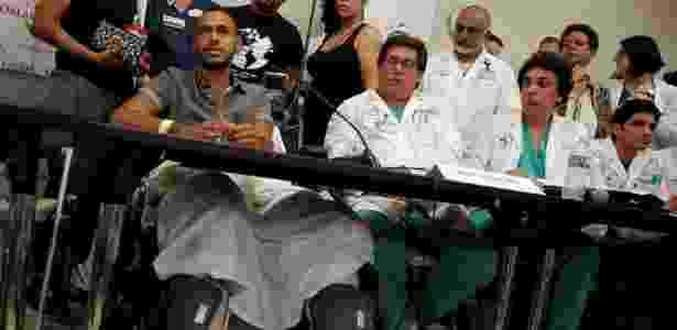 Porto-riquenho Ángel Cólon, sobrevivente, recebeu três tiros na perna direita - Jim Young/Reuters