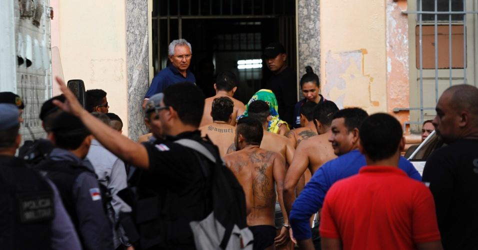 2.jan.2017 - Seap reativa Vidal Pessoa e transfere membros do PCC apos rebelião no Complexo Penitenciário Anísio Jobim (Compaj) . Separação ocorre para prevenir conflitos entre membros de facções rivais que entraram em conflito e mataram 56 pessoas desde domingo (1º)