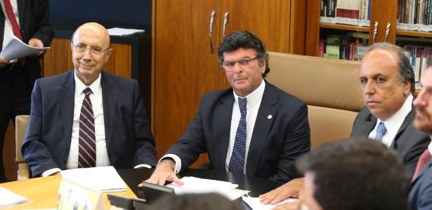 O ministro Luiz Fux (c), o governador do RIo, Luiz Fernando Pezão (d), e ministro da Fazenda, Henrique Meirelles (e), durante reunião para discutir ação do Estado do Rio de Janeiro que pede a antecipação dos termos do acordo de recuperação fiscal firmado com a União, nesta segunda-feira (13)