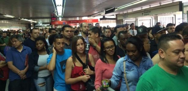 SP: confusão no Terminal Itaquera faz usuários discutirem - Janaina Garcia/UOL