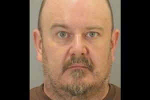 Homem é condenado a 4 anos de prisão por contratar strippers e mandá-las para a casa do vizinho (Foto: Reprodução/ DOUGLAS COUNTY SHERIFF'S OFFICE)