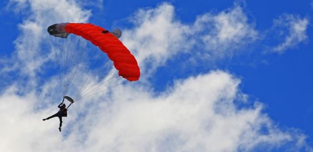 Salto de paraquedas em Boituva (SP)