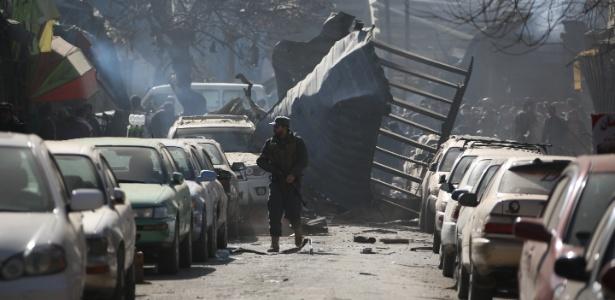Local onde milicianos do Talibã explodiram uma ambulância, em Cabul